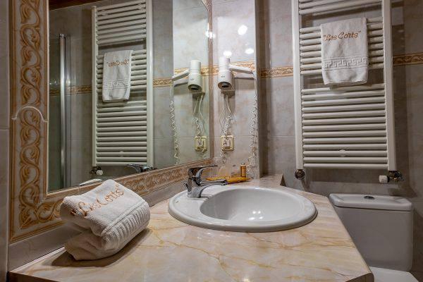 https://cdn.aparthotellescorts.com/aparthotellescorts/2018/09/DSCF3030-emiliphotographer-0020-19092018-aparthotel-les-corts-600x400.jpg